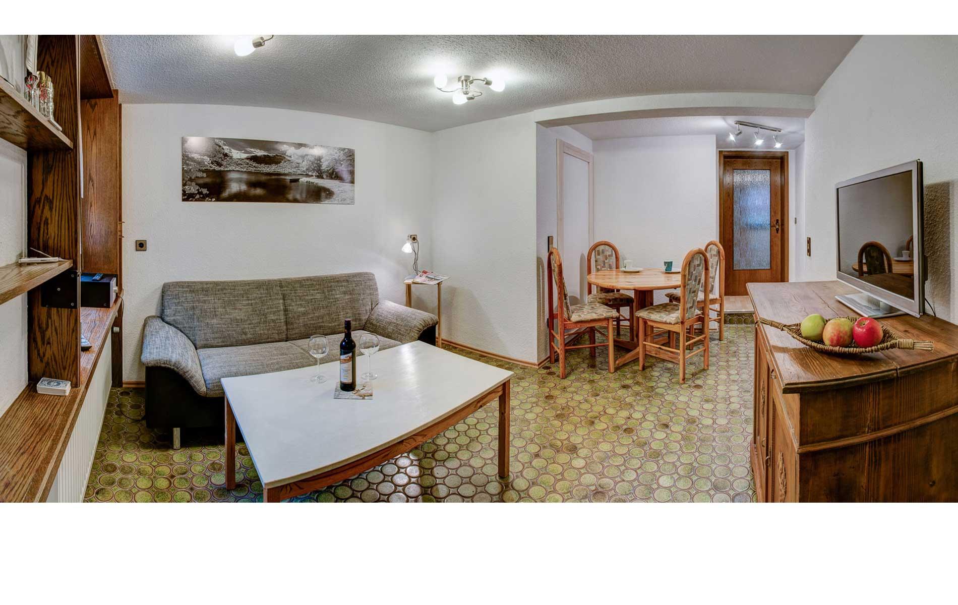 essecke haus am bergle. Black Bedroom Furniture Sets. Home Design Ideas